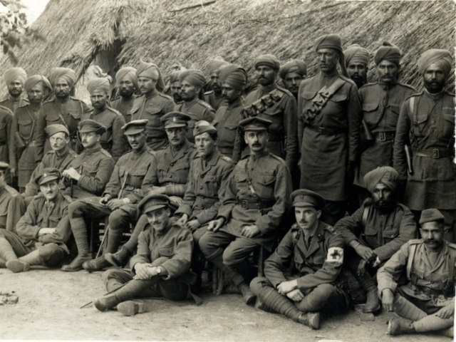 British_and_Indian_officers_of_the_57th_Wildes_Rifles_web